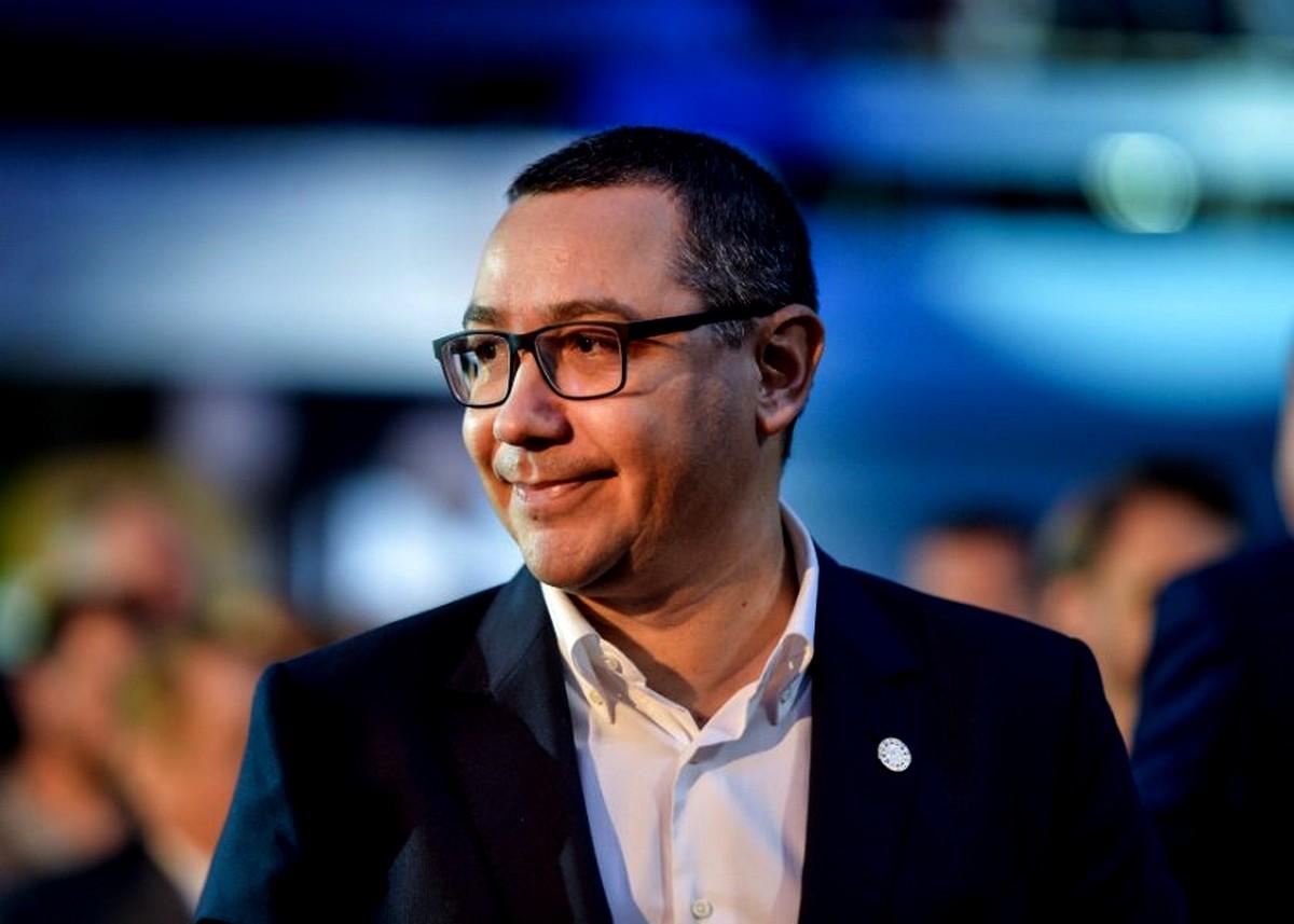 Victor Ponta rupe tăcerea