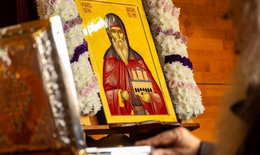 Ce minuni a înfăptuit Sfântul Dimitrie cel Nou. Până și credincioșii care s-au închinat la el sunt uimiți