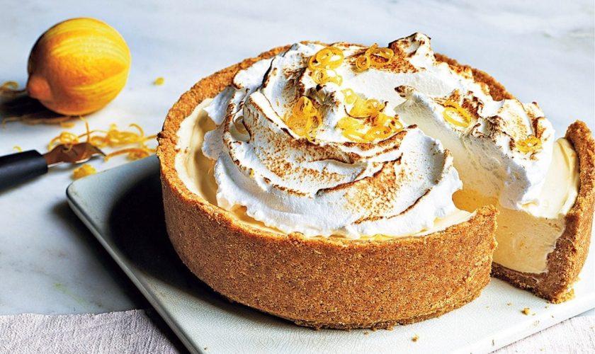 Rețetă de cheesecake cu bezea și lămâie. Te lingi pe degete, nu alta!
