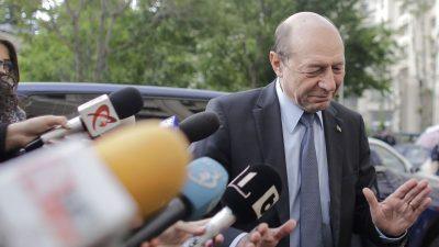 """Traian Băsescu și-a ieșit din fire, în public. Cu cine s-a certat: """"Marş afară javră mincinoasă!"""""""