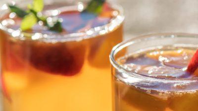 Băutura controversată care îți protejează oasele. Nu știam cât de benefică e, de fapt