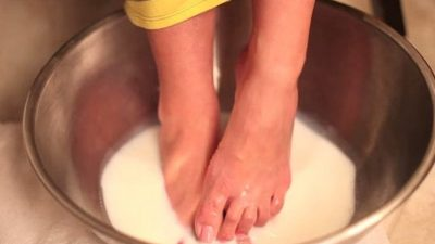 Ce se întâmplă dacă pui bicarbonat de sodiu pe picioare. Efectele sunt imediate