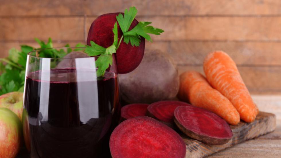 Beneficiile sucului de sfeclă, morcov și măr