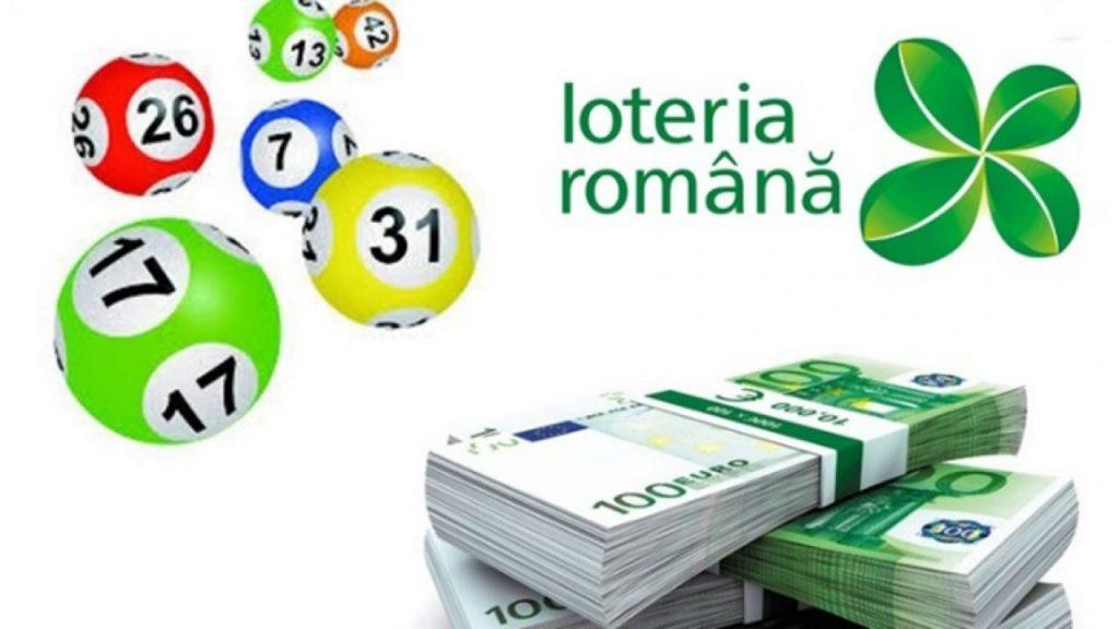 Poster pe care este scris Loteria Română, alături de un teanc de bancnote și bile colorate loto.