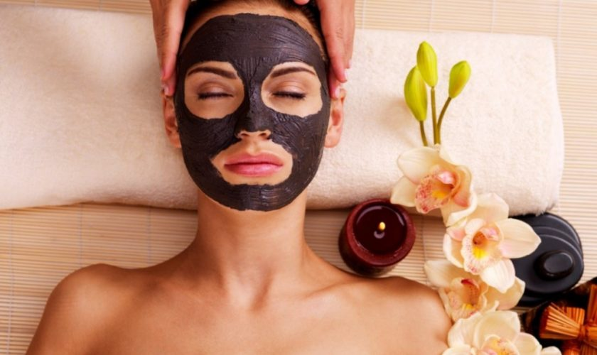 Mască de corp cu cafea – 5 avantaje pentru piele ale acestui tratament