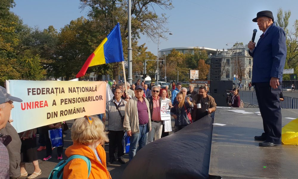 Pensionarii solicita cresterea pensiilor cu 40%, nu cu 14%, asa cum a hotarat guvernul Orban