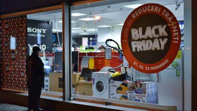 Ce reduceri au loc, de fapt, de Black Friday. Specialiștii atrag atenția asupra acestui detaliu