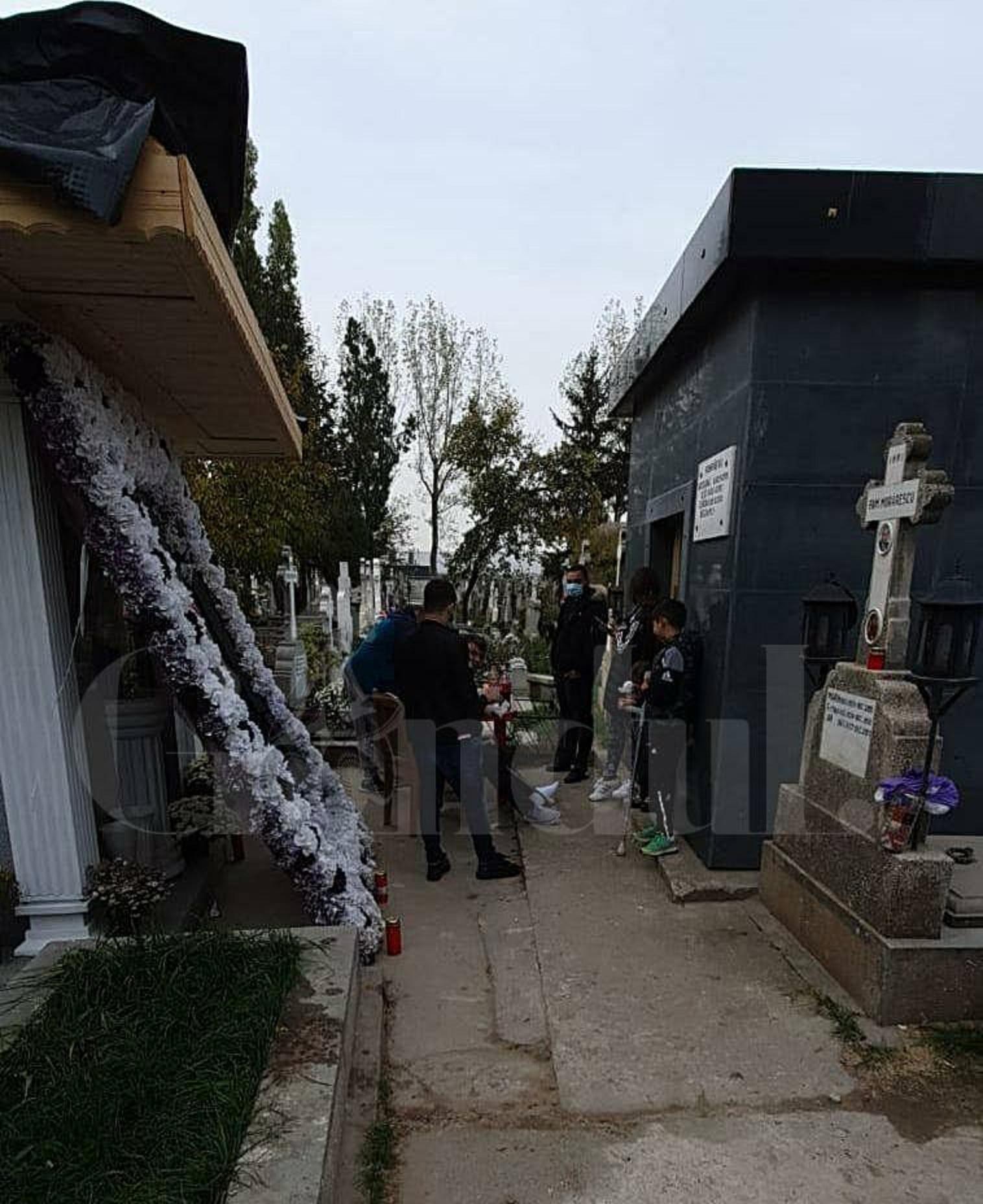 Emi Pian, comemorat cu gratare in cimitir