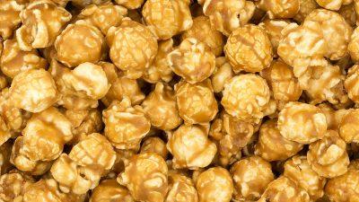 Cum faci popcorn cu caramel sau zahăr ars. Care e secretul acestui snack delicios