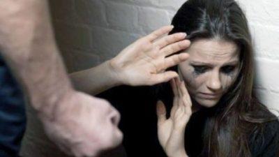 Cum pot scăpa femeile de bătăile soților. Asta e salvarea lor, în pandemie