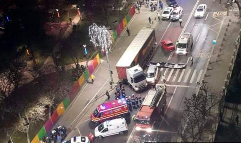 Accident teribil în București. Un copil de 11 ani a murit strivit de roțile unui TIR pe trecerea de pietoni. Cum s-a produs tragedia