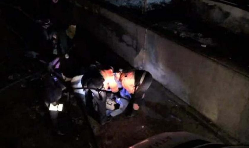 Tragedie în Buzău. Un bărbat s-a aruncat în gol de la etajul zece, în timp ce soția se afla în casă. Ce îi făcuseră colegii de muncă