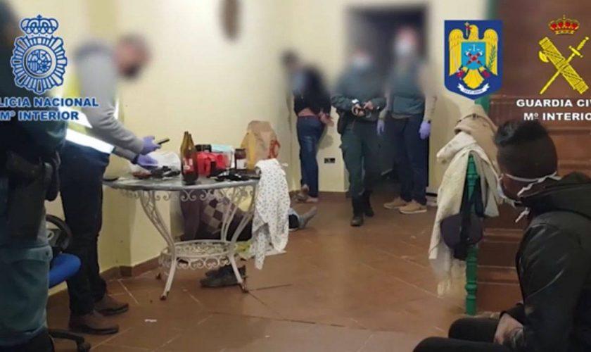 Descoperire șocantă într-un apartament din Spania. Ce au putut să facă 8 români în el