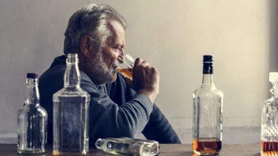 Ce se întâmplă dacă bei alcool și te mănâncă pielea. Ce boală ai, de fapt