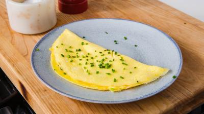 Secretul omletei perfecte. Se face doar din 4 ingrediente și e preferata chefilor celebri