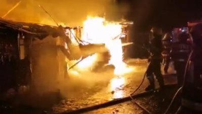 Incendiu devastator în Miercurea Ciuc. Sute de oameni au rămas pe drumuri, după ce locuințele lor au fost mistuite de flăcări