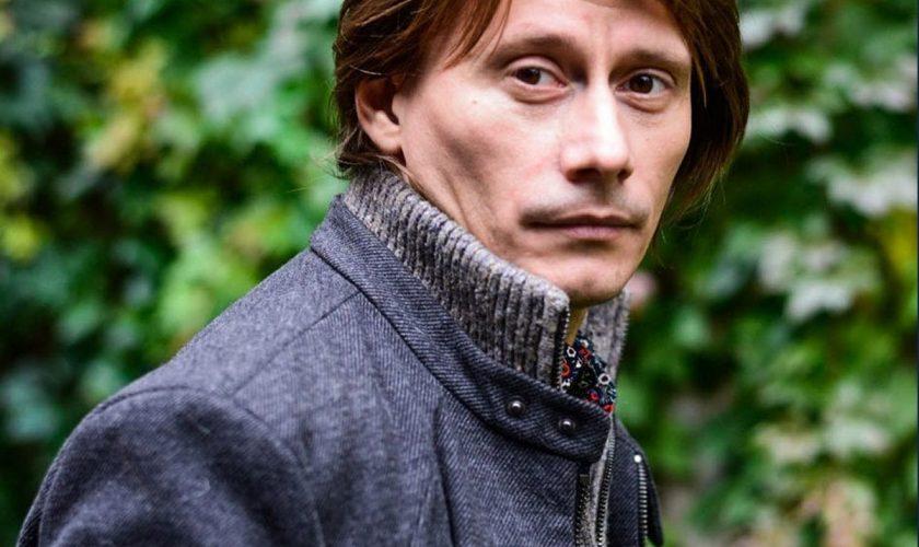 """EXCLUSIV Marius Manole, dezvăluiri de la filmările pentru serialul Vlad: """"Pare mai prostuț!"""""""