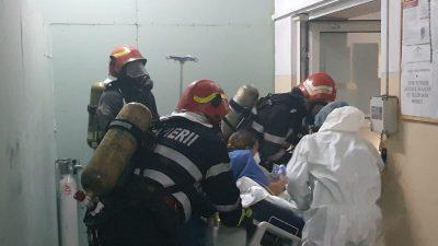 Alertă în Timiș. Incendiu uriaș, izbucnit într-un salon Covid din cadrul Spitalului de Psihiatrie. În ce stare sunt pacienții