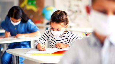 Ce se întâmplă dacă un copil refuză să poarte mască, din 8 februarie, la școală. Ministrul Educației tocmai a făcut anunțul
