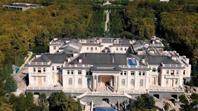 Ce s-a descoperit în Palatul secret al lui Vladimir Putin. Muncitorii au fost șocați și ei