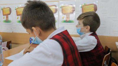 Autoritățile, în alertă. A apărut primul caz de Covid-19 într-o școală din București. Ce decizie s-a luat