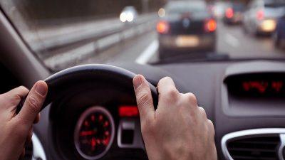 Lovitură cruntă pentru șoferi! Câți bani ar putea să plătească pentru locul de parcare