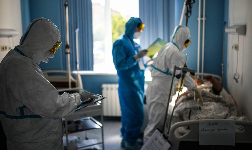 Cadre medicale, internate după vaccinarea cu AstraZeneca. Ce au dezvoltat în sânge