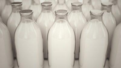 Cât de periculos este laptele pentru adulți. Descoperirea specialiștilor: la ce simptome trebuie să fim atenți
