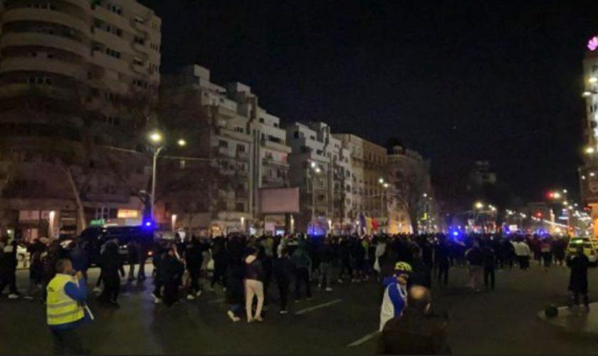 Ce s-a întâmplat la protestul anti-restricții din București. S-a terminat la 4 dimineața, iar jandarmii au intervenit