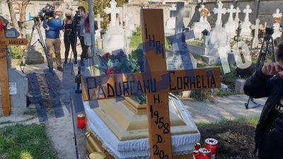 Cornelia Catanga, înmormântată fără rude. Fiul ei a făcut declarații șocante de la cimitir