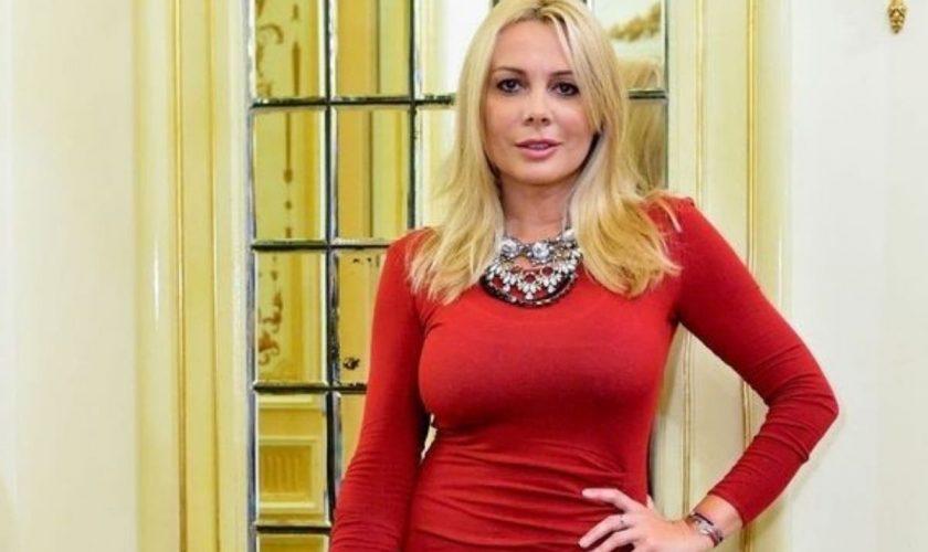Cum arată Dana Săvuică în costum de baie, la 51 de ani. Oana Roman o va invidia