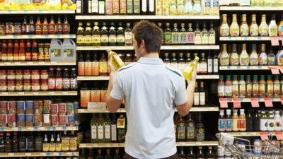 Descoperire șocantă în alimentele de pe piață. Ce se afla în ambalaje, de fapt