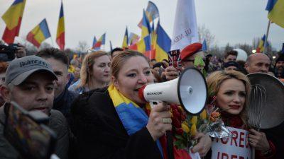 Diana Șoșoacă, 3 amenzi colosale după proteste. Cât trebuie să scoată din buzunar, de fapt