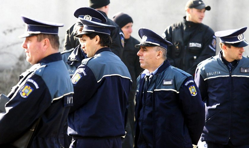 9 polițiști din Capitală, reținuți de urgență. Pe cine au răpit și torturat făr milă, din cauza măștilor
