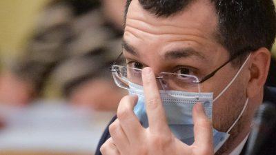 Vlad Voiculescu, reacție după ce a fost prins fără mască în Parlament. De ce și-a dat-o jos, de fapt