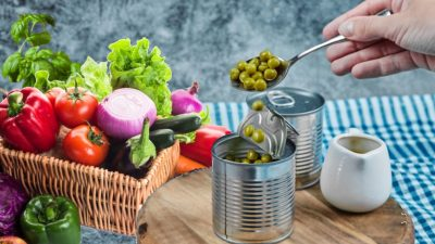 7 alimente pe care trebuie să le speli obligatoriu înainte de consum. Românii greșesc când le consumă așa