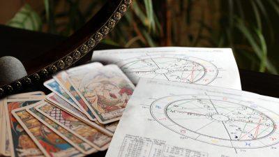 Care sunt, de fapt, diferențele între tarot și horoscop VIDEO