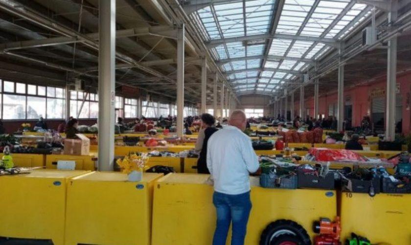 Oltenii au primit interzis într-o piață din Lugoj. Primarul și-a pus un grup de producători în cap și este acuzat de discriminare