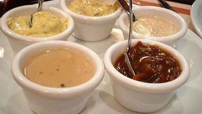 Secretul sosurilor delicioase făcute de bucătarii renumiți. Acest ingredient le asigură succesul mereu