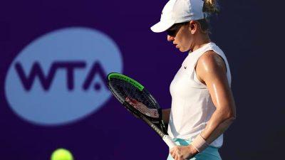 Simona Halep va fi amendată de WTA. Ce a comis românca noastră deși nu trebuia