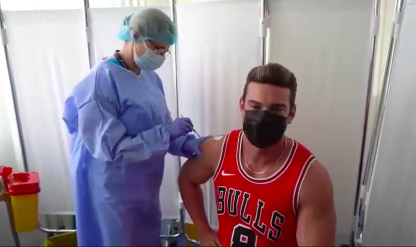 De ce s-a vaccinat Dorian Popa, de fapt. Artistul a spus purul adevăr după inoculare VIDEO