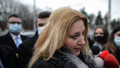 Cu ce a apărut Diana Șoșoacă la protestele de ieri. Jandarmeria a crezut că nu vede bine ce ține în mâini