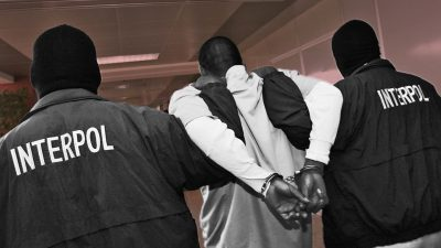 De ce a fost arestat un bărbat care a sunat la Poliție și Jandarmerie de 27.000 de ori. Descoperire șocantă