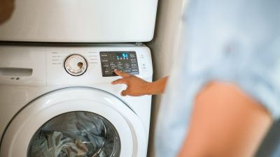 Ingredientele din bucătărie care prelungesc viața mașinii de spălat. Toate sunt ieftine