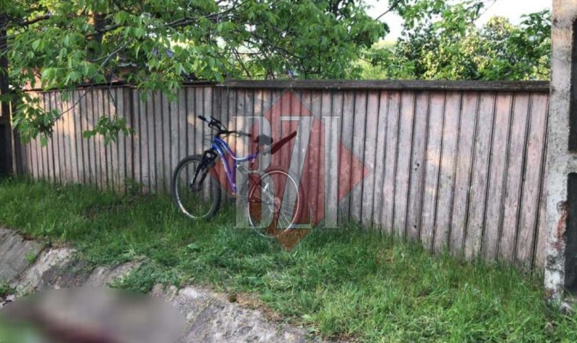 """Modul tragic în care a murit un copil din Iași, în weekend, după ce s-a izbit cu bicicleta de un stâlp: """"Cineva zicea că se vedea creierul"""""""