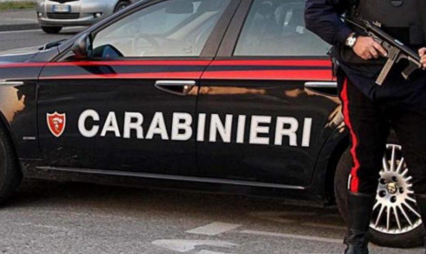 """O româncă a bătut, fără milă, doi polițiști italieni: """"Am chemat în sprijin militarii ca să o putem imobiliza"""""""