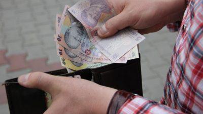Salariul minim ar putea crește! Vești bune pentru români: cât pot lua în mână, în curând