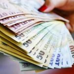 Se dau bani pentru români! Ce categorie beneficiază de 500 lei/lună de la stat