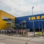 Ce a apărut în fața magazinului IKEA chiar ieri. Unii români au fost scandalizați