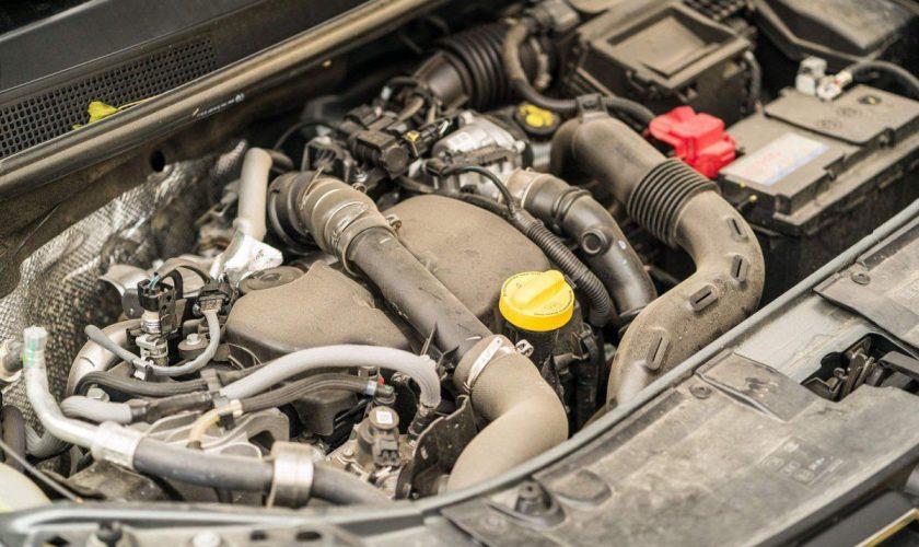 Cât costă, de fapt, să schimbi motorul la o Dacia Logan cu tot cu mâna de lucru